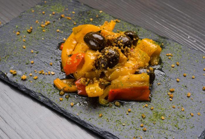 peperoni saltati con crumble di quinoa