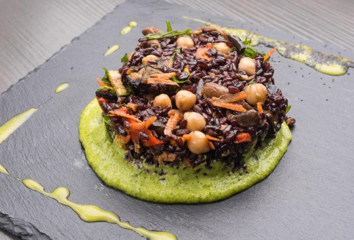 riso venere con verdure grigliate