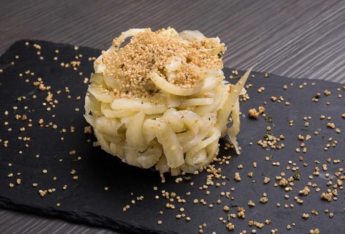 finocchi con crumble di quinoa